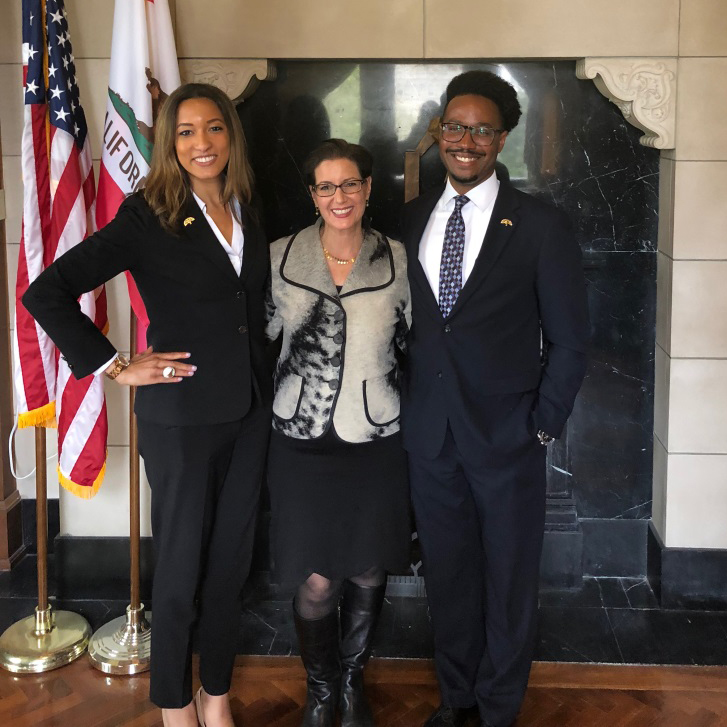 Meyers Nave diversity fellows, Victoria and Shandyn with Oakland Mayor Libby Schaaf